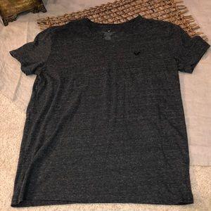 American Eagle short sleeve vneck shirt